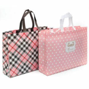 不織布の買い物袋